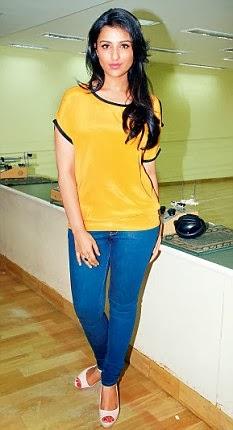 Alia Bhatt In Yellow Punjabi Dress Chopra and alia bhatt have