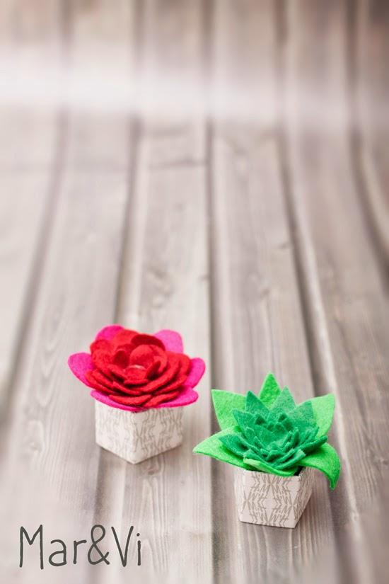 cactus decorativo de fieltro