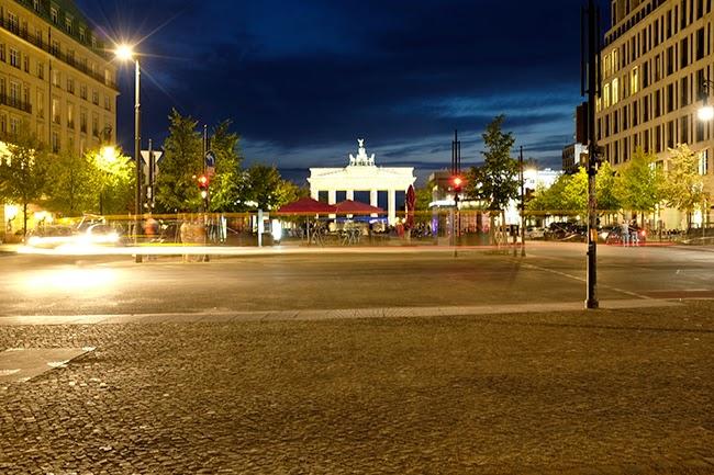 sea of teal berliner n chte berlin nights. Black Bedroom Furniture Sets. Home Design Ideas