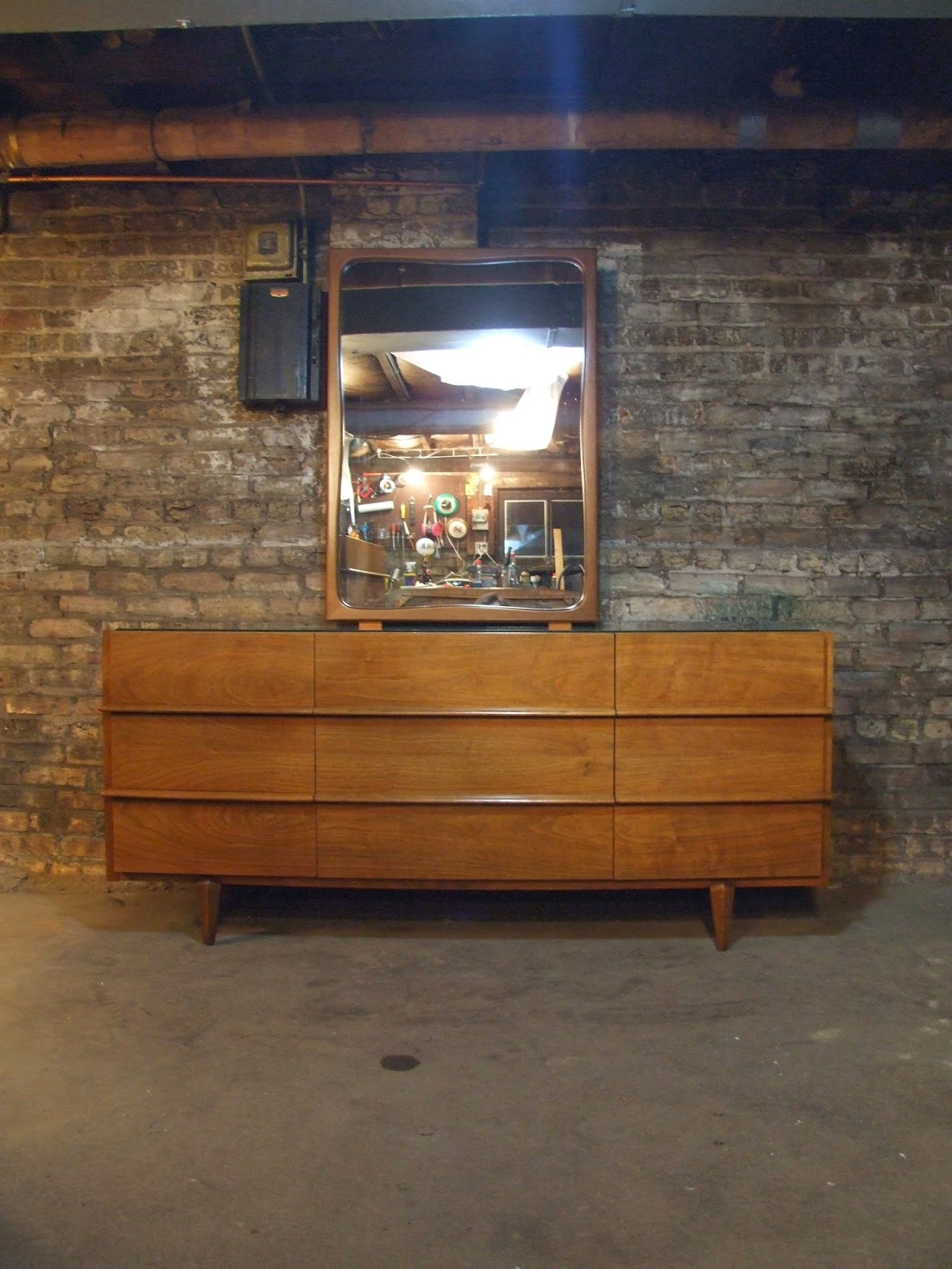 Mid century chicago american of martinsville walnut for American martinsville bedroom furniture