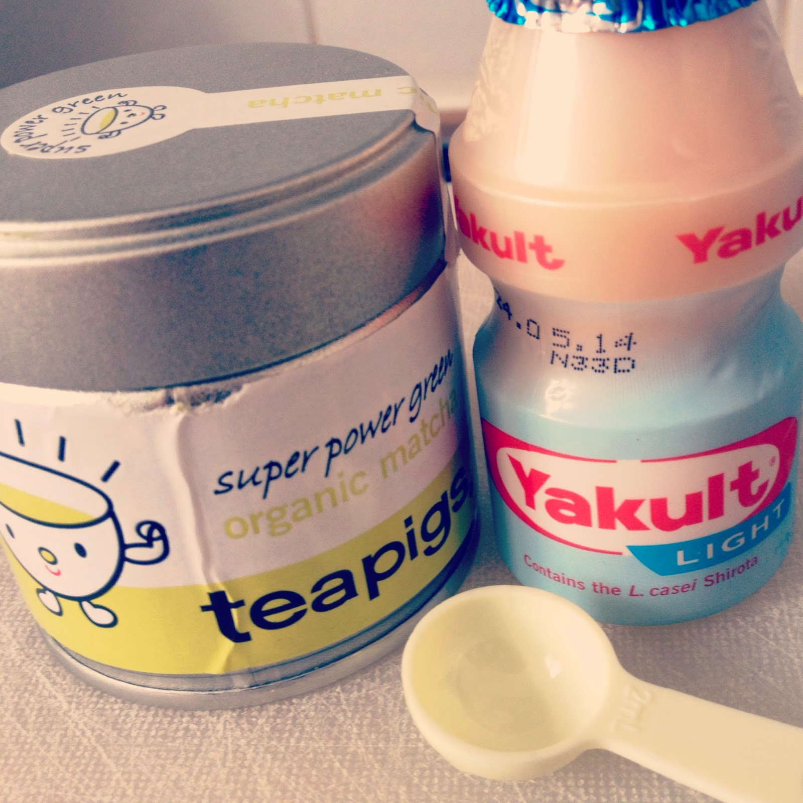 ThatRedheadSaid : teapigs matcha with yakult light