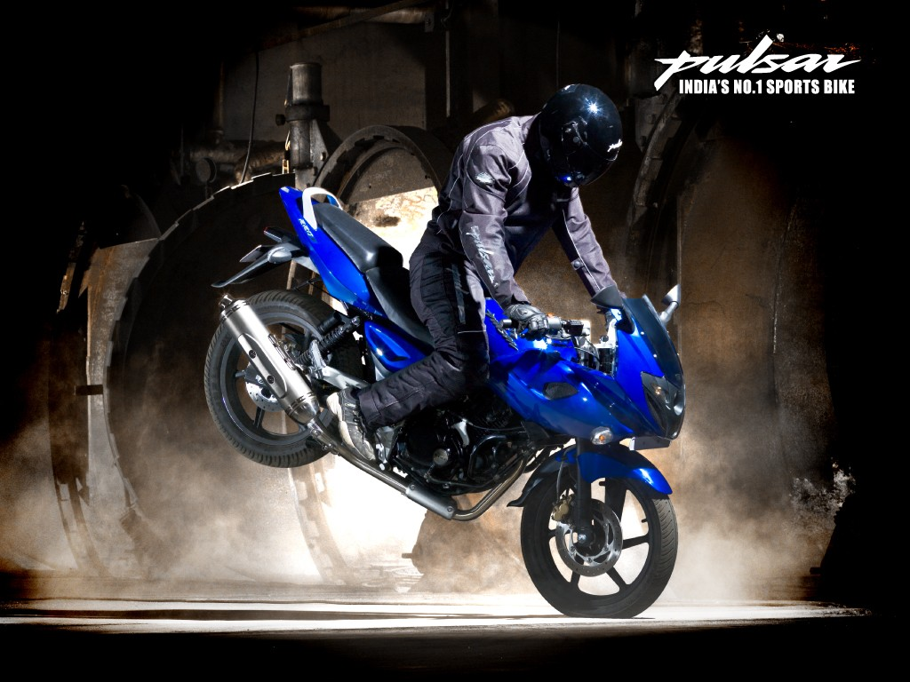 The new bajaj pulsar rs200 has had bajaj s cash registers singing ever - Bajaj Auto Qute Launch Positive But Success Of New Products Key