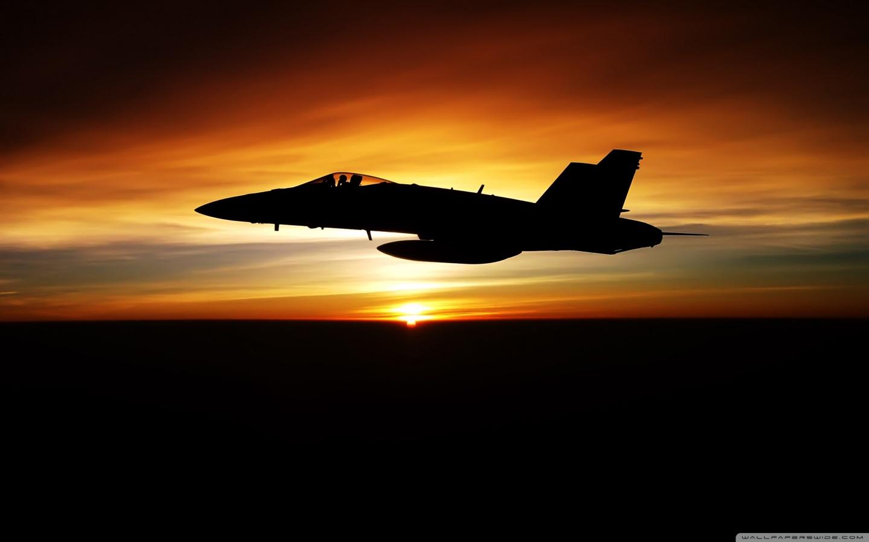 http://3.bp.blogspot.com/-l80ldw6pVrM/TlLmKvb2BKI/AAAAAAAACS4/_s86Wmq1CDg/s1600/fa_18c_hornet_aircraft-wallpaper-1440x900.jpg