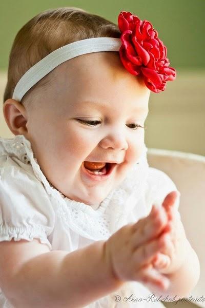 image Bébé fille adorable