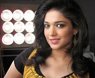 Pakistan TV Actress Sanam jung HD Wallpapers