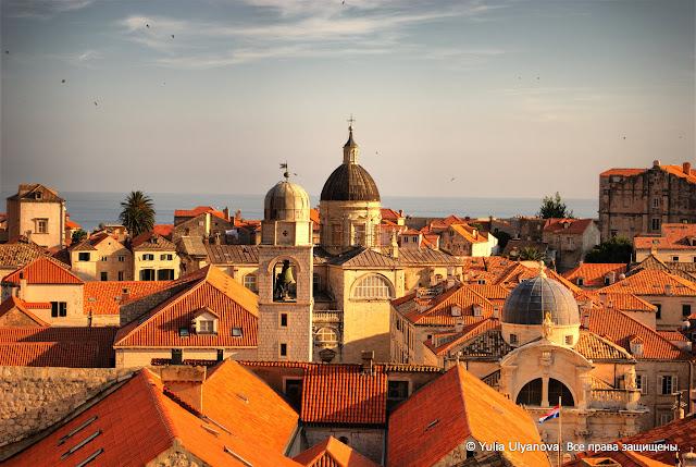 Вид на Дубровник с городских стен. Хорватия