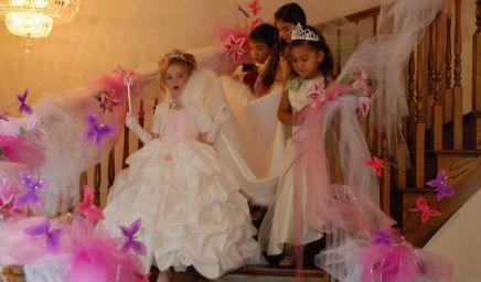 MEGAFIESTAS INFANTILES OUTRAGEOUS KID PARTIES