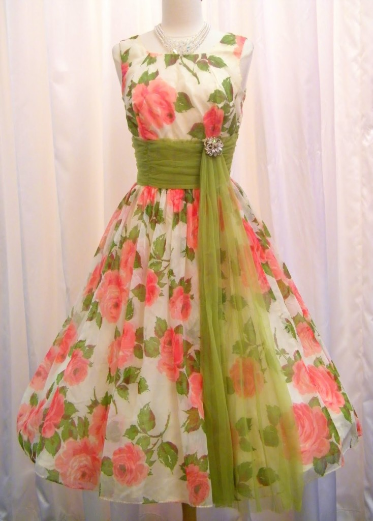 Vestidos de noiva floral de cores variadas