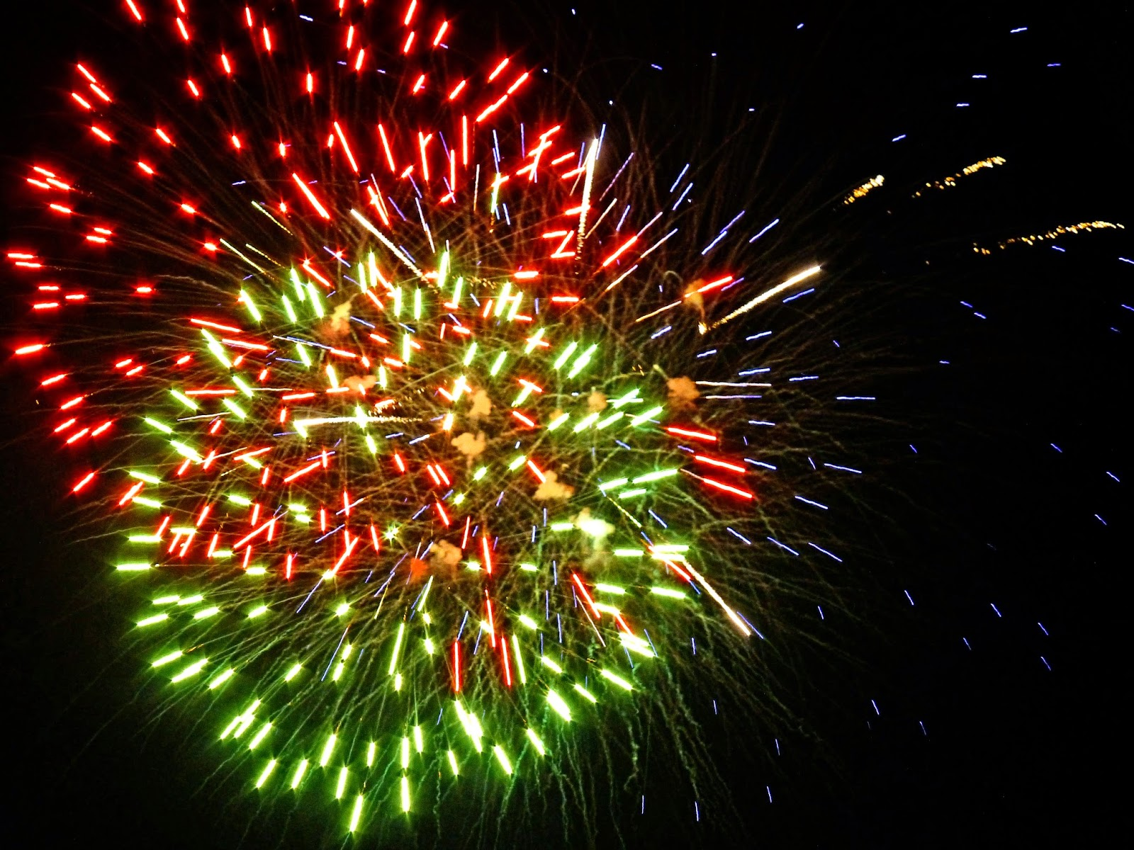 red green fireworks