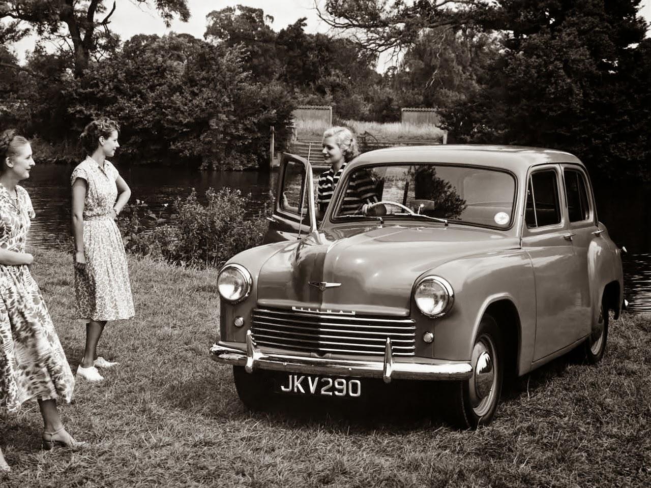 La Phase IV, annoncée en décembre 1949, reçoit un moteur à la cylindrée  augmentée de 1185 à 1265 cm³ pour un gain de 2 chevaux (37 ch).