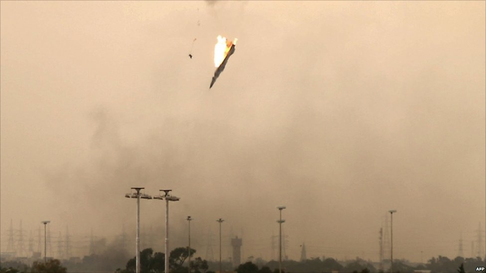 Força aérea líbia foi totalmente destruída, diz comandante britânico