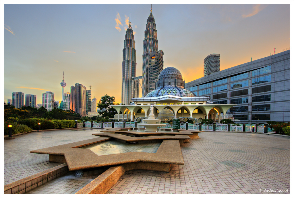 Welcome To The Islamic Holly Places Masjid As Syakirin Klcc Kaula Lumpur Malaysia