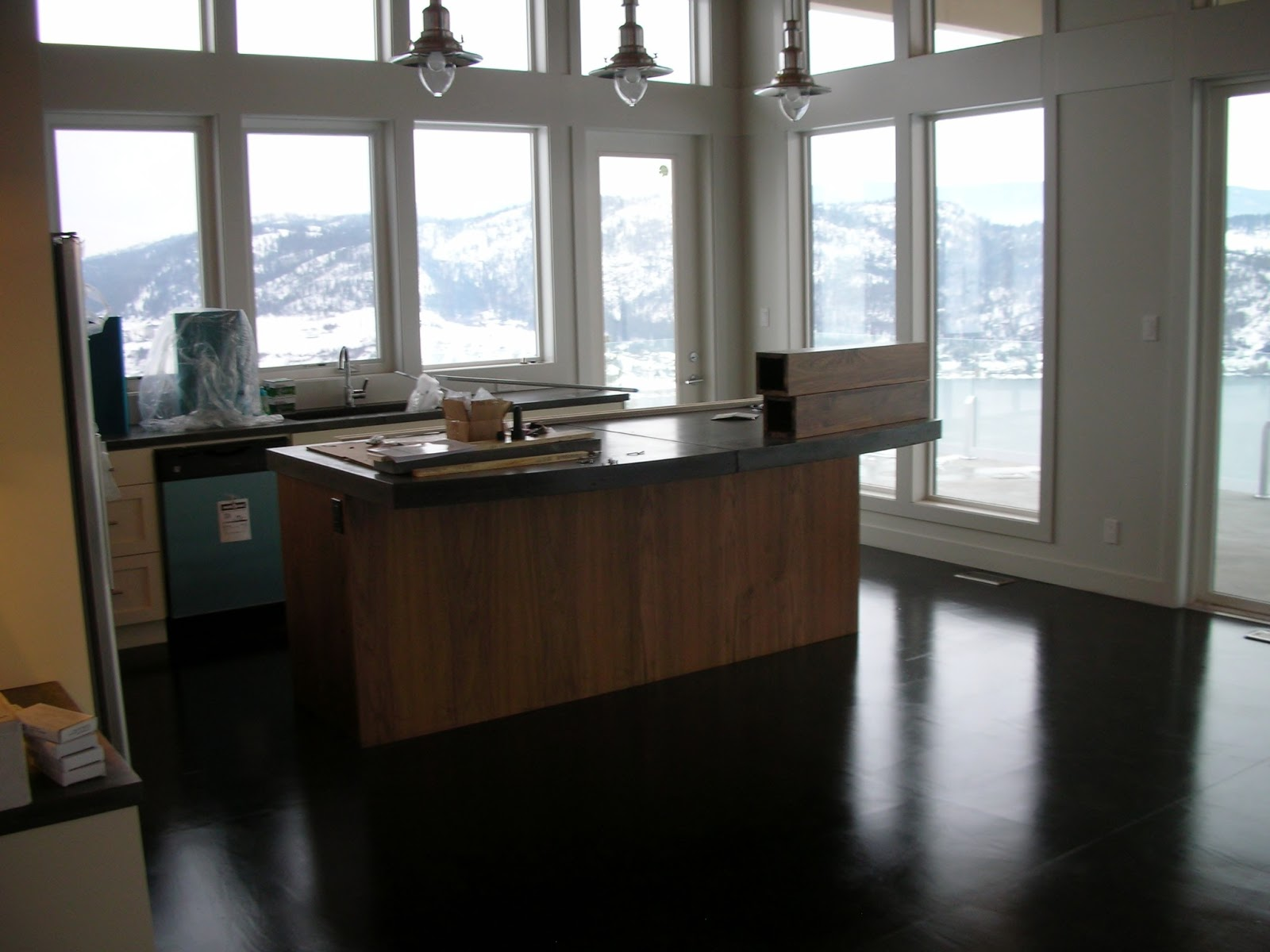 MODE CONCRETE: Considering Concrete Floors in the Kitchen, Bathroom or ...
