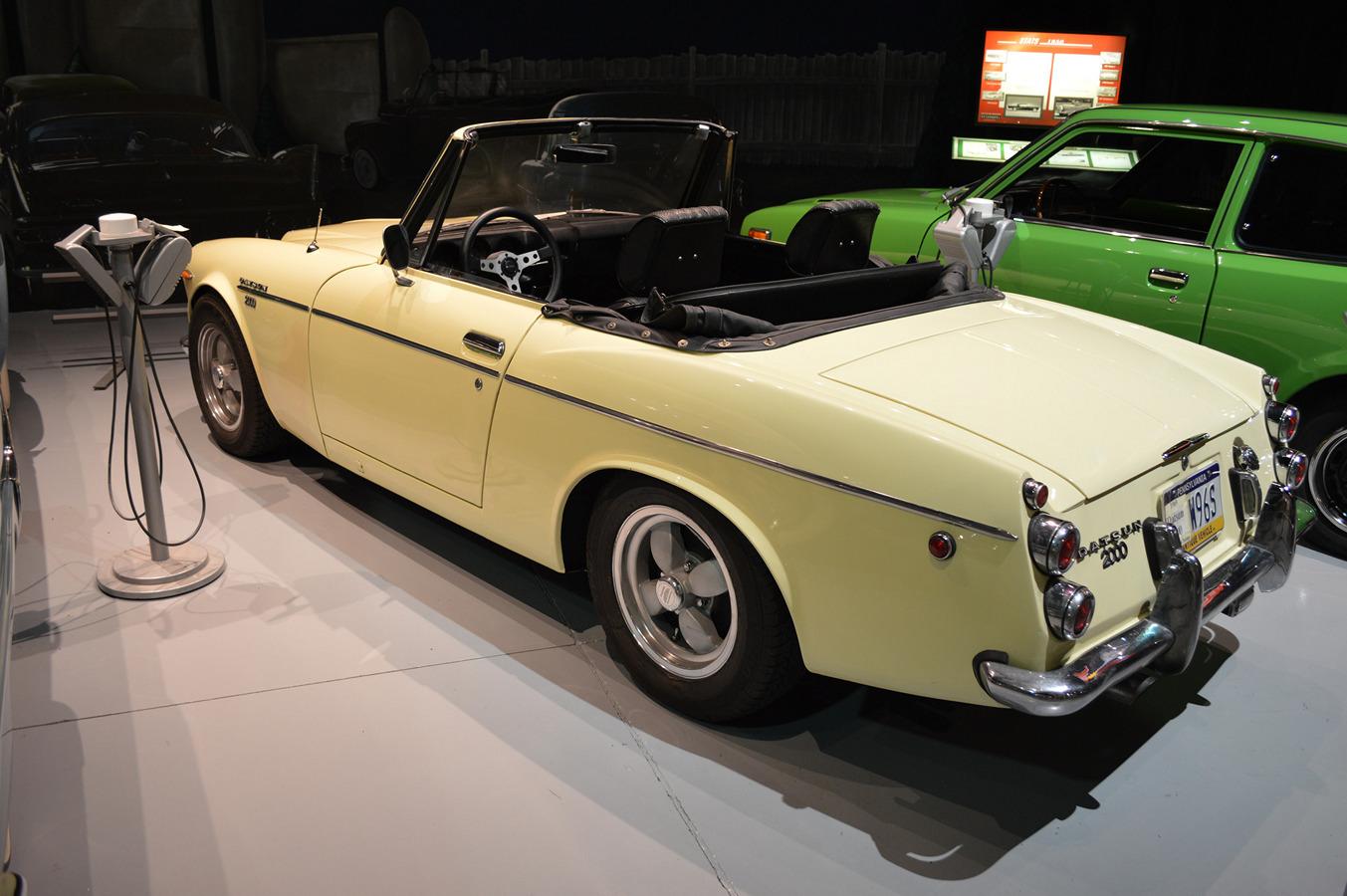 Datsun Sports 2000, Nissan U20, RWD, klasyczne roadstery, stare samochody bez dachu, klimat dawnych lat, stara motoryzacja, JDM, zdjęcia