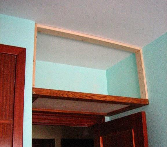 Proyectos y obras altillo para trastos - Como hacer un altillo de madera ...