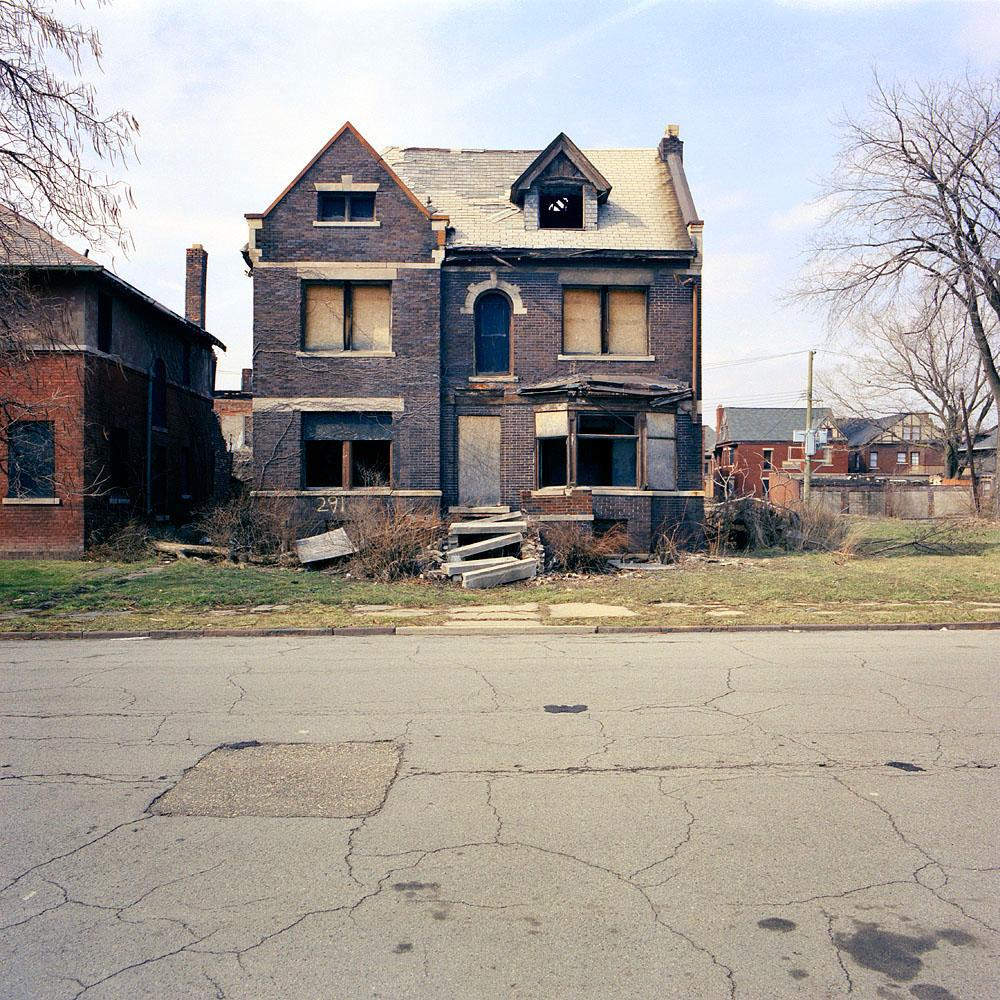 The reel foto kevin bauman 100 abandonded detroit houses for 100 houses