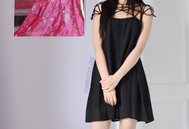 More photos of the caged bandeau smock-shift dress from Romwe.