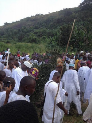 Ooni of ife, Oba Enitan Ogunwusi returns from ilofi