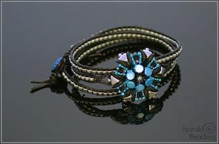 http://spiralabeading.blogspot.cz/2015/07/spacecraft-wrap-bracelet.html