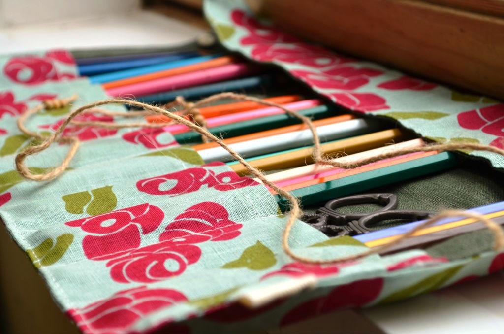 Irmalu: Rozy roll-up pencil case