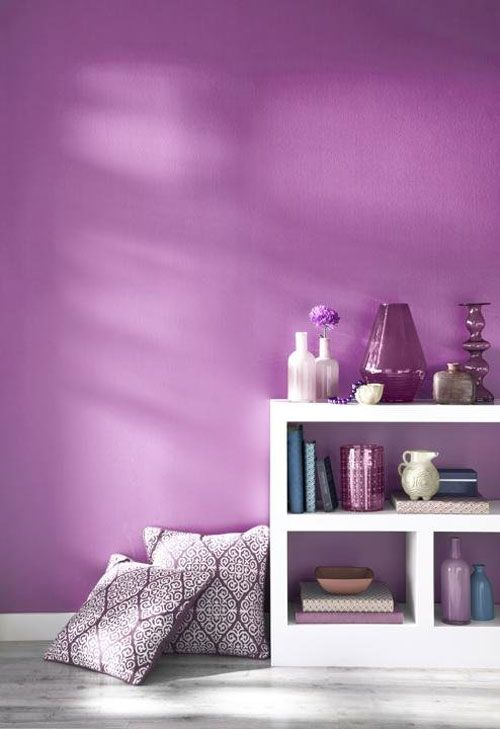 simple and elegant decoration with Pantone Radiant Orchid wall