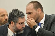 Após reunião no Itamaraty, Eduardo Bolsonaro afirma ter recebido 'apoio' de Araújo para embaixada n