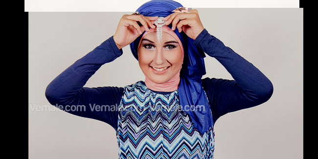 Cara Memakai Jilbab Pashmina Turban Metalik Untuk Pesta