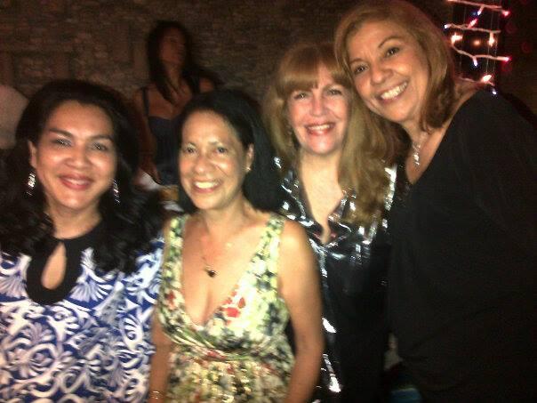 Loly Señaris Calviño con unas amigas.