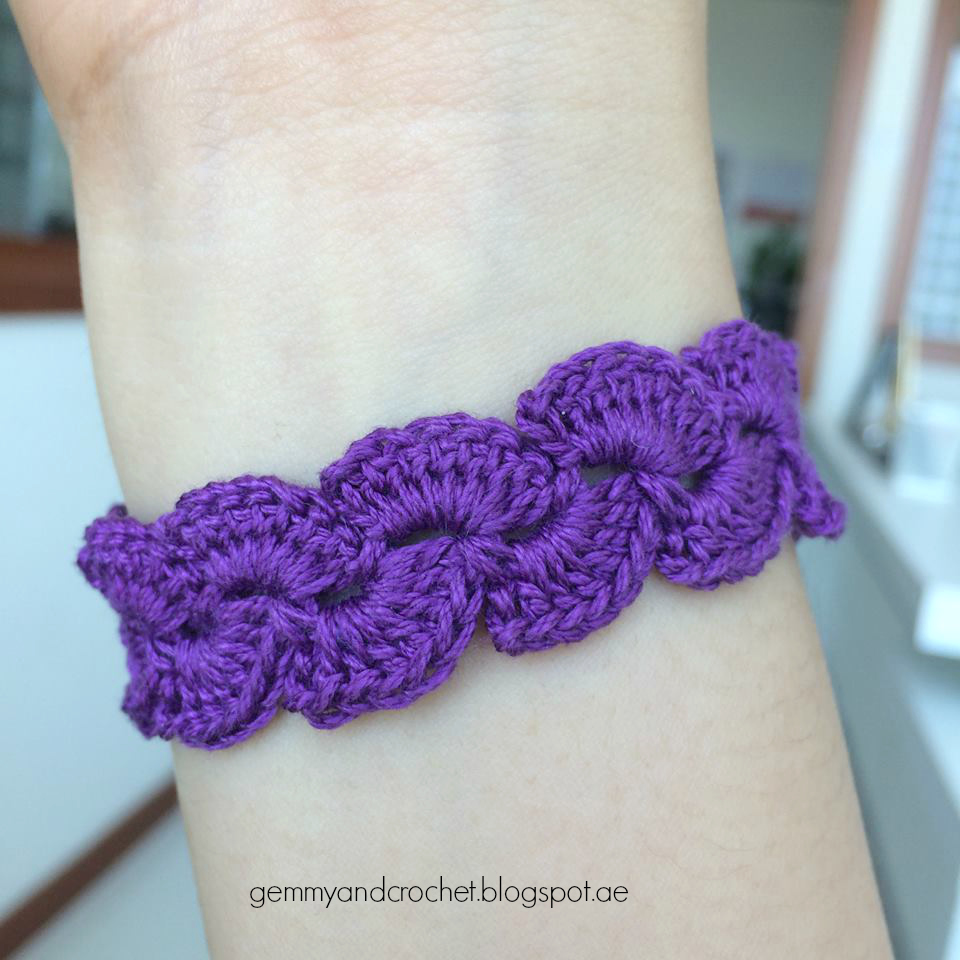 All About Crochet : ALL ABOUT CROCHET: Free Pattern: Lace Scallop Crochet Bracelet