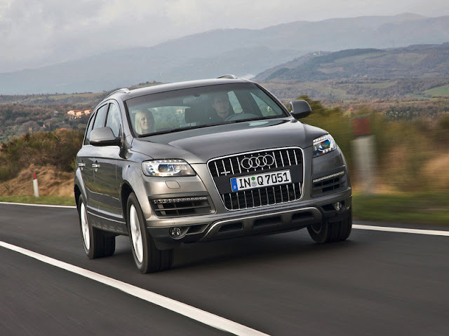Front picture of Audi Q7