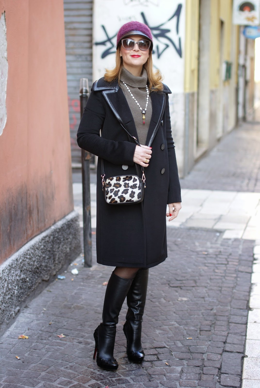 Balenciaga black coat, jockey hat, fetish boots, Sofia borse Candy pochette, Fashion and Cookies, fashion blogger