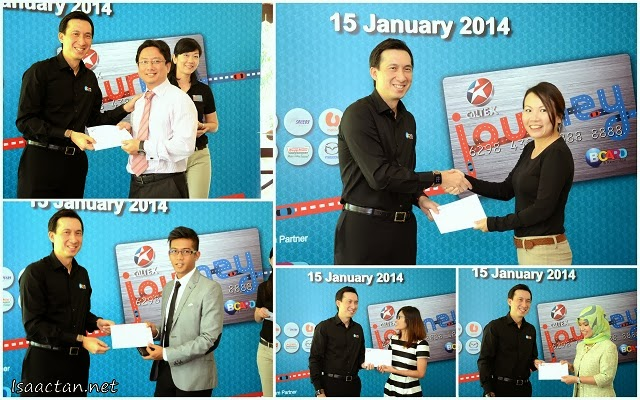 Some lucky members of the media who won the lucky draw prizes during the Caltex JOURNEY Card launch