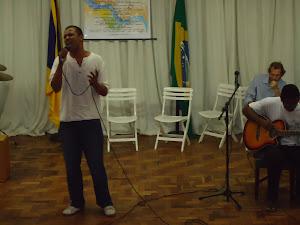 Thiago Brandão (voz),Wellington Silva (violão)