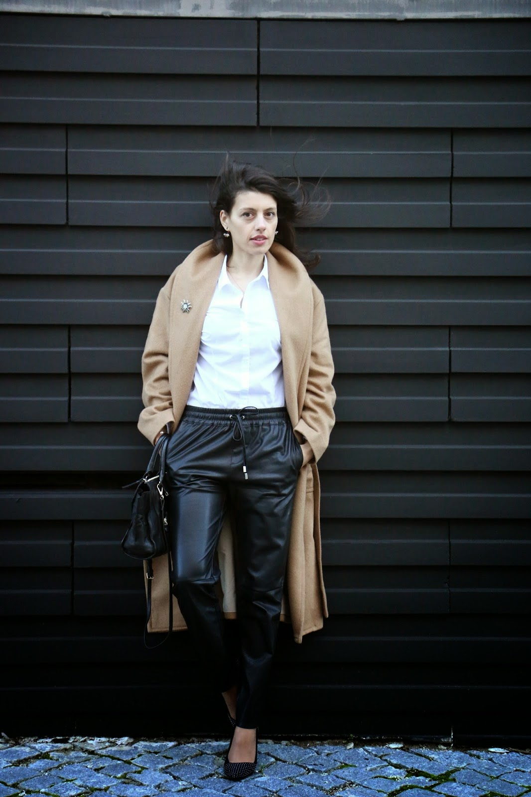 http://ilovefitametrica.blogspot.pt/2015/02/leather-jogger-pants.html