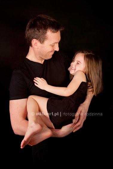sesja zdjęciowa rodzinna, zdjęcia noworodków, fotograf noworodkowy, sesje zdjęciowe w poznaniu, foto dziecka
