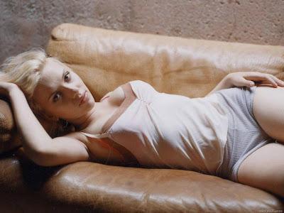Scarlett_Johansson_wallpaper_12
