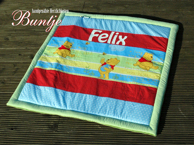 Krabbeldecke Decke Kuscheldecke Baby Name Geschenk Geburt Taufe persönlich personalisiert Junge Felix grün rot hellblau Winnie Pooh Disney handmade nähen Buntje