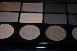 Makeup Revolution matte eye shadow detail