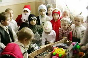 Moş Craciun la Gradiniţa com.Dănciuleşti,jud.Gorj,decembrie 2009