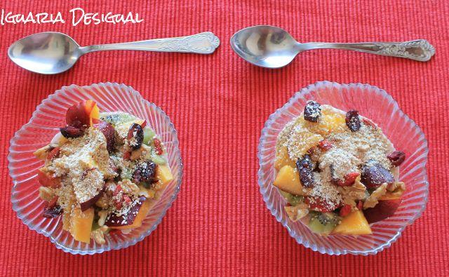 Pqueno-almoço-iogurte-cereais-e-fruta
