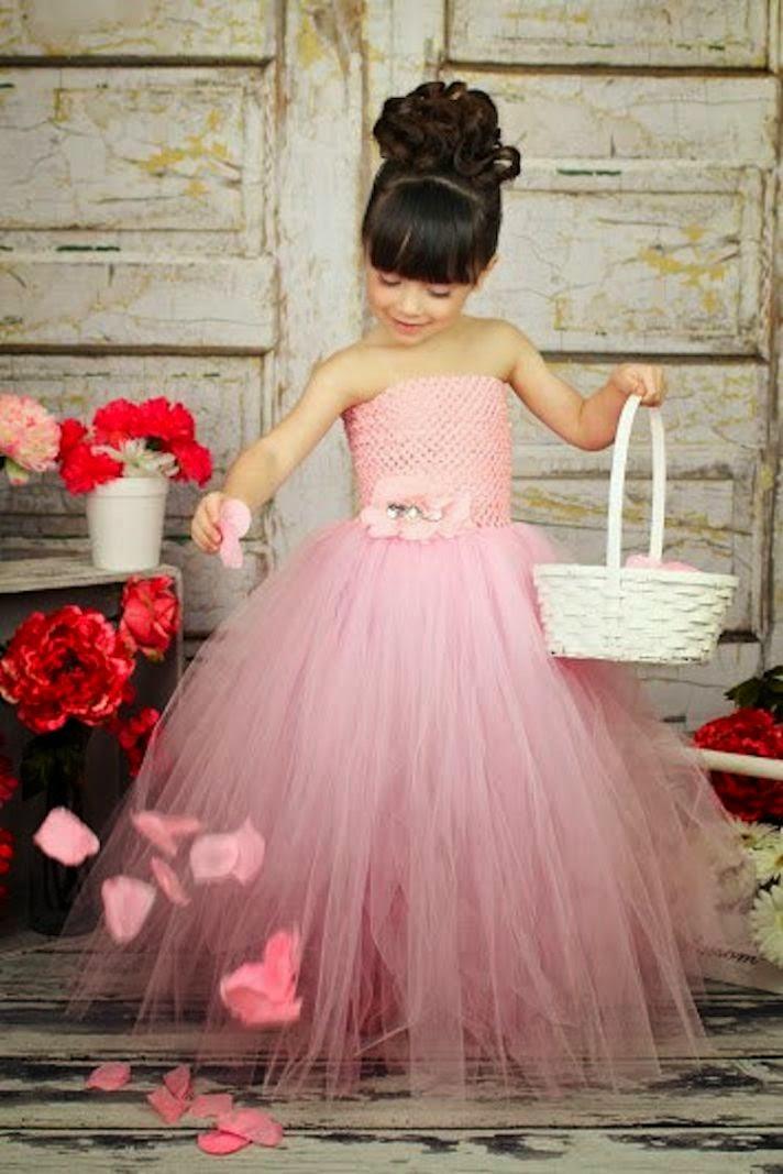 PREPARADA PARA EL BAILE: Vestidos para las más pequeñas