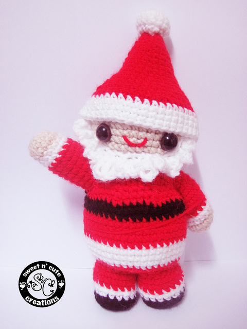 Amigurumi Santa Patterns : 2000 Free Amigurumi Patterns: Little Amigurumi Santa Pattern