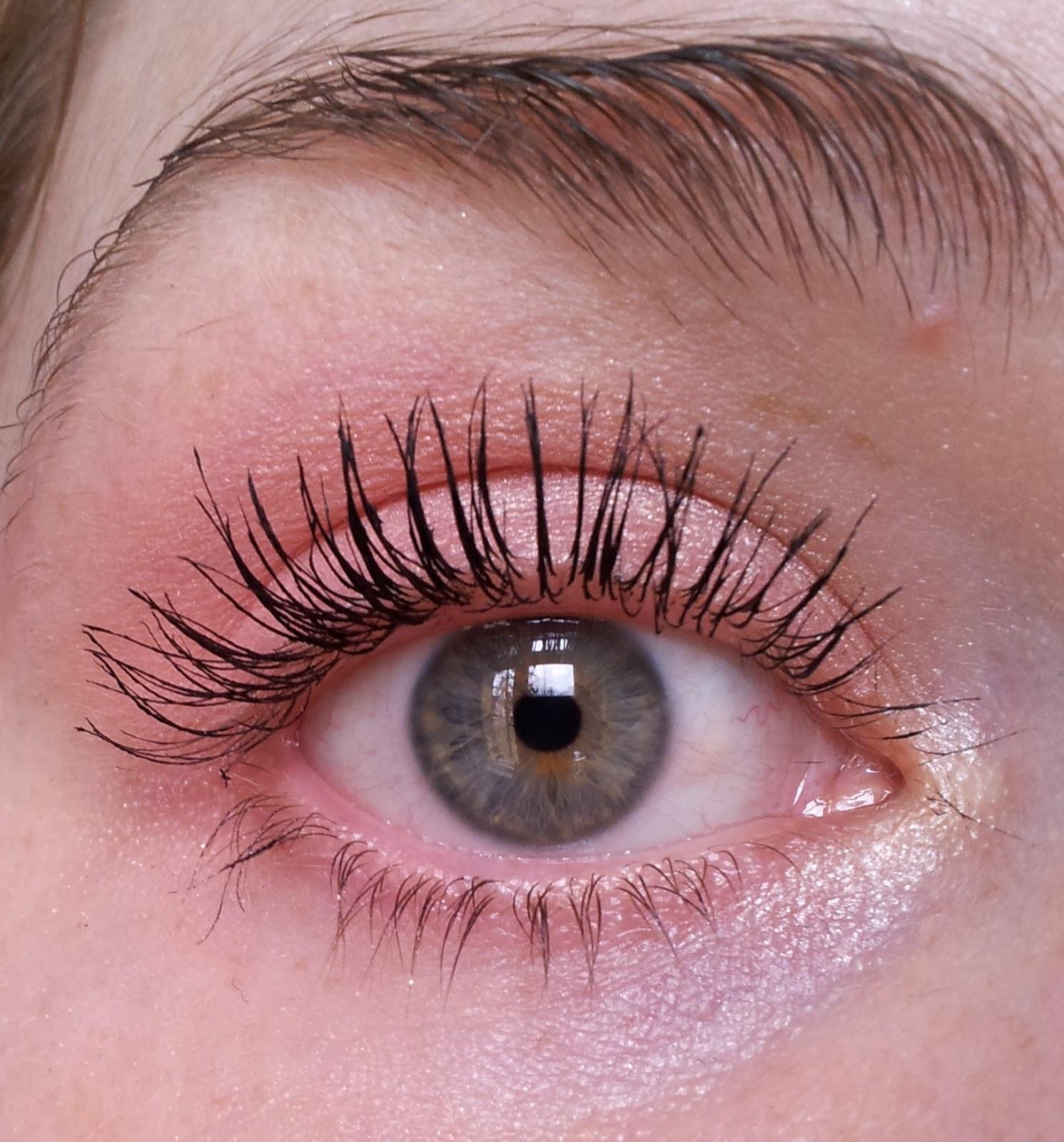 L'Oréal: Volume million lashes excess