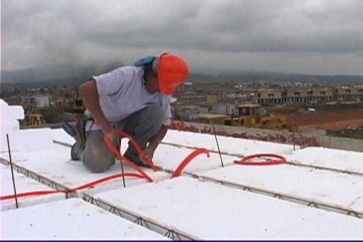 Instalaciones el ctricas residenciales instalaci n de tubo conduit flexible en losas de - Tuberia para instalacion electrica ...