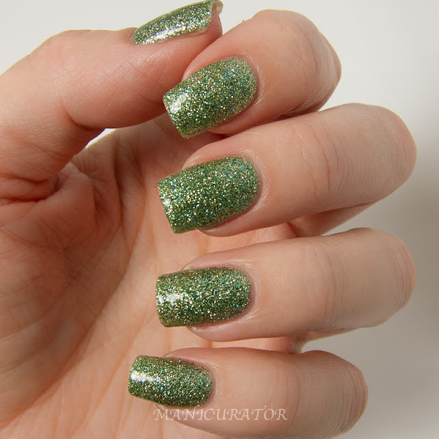 China_Glaze_Happy_HoliGlaze_ This_Is_Tree-mendous