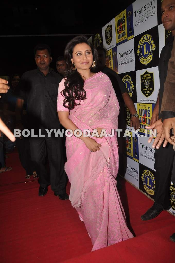 Rani Mukerji in Pink Saree1 - Rani Mukherjee in Pink Saree at Lions Gold Awards