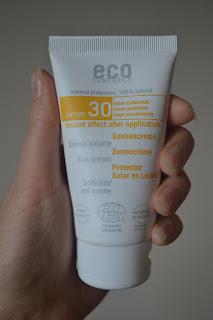 eco cosmetics solkräm