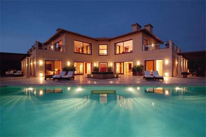 Dise o de casas fachadas de viviendas fotos e ideas de for Disenos de casas lujosas