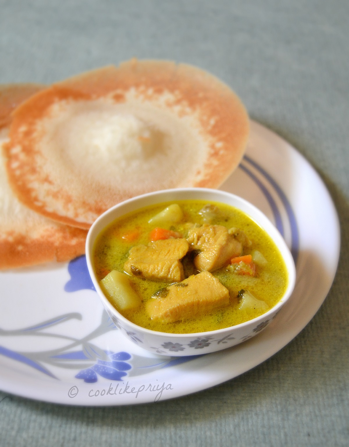 Nadan Kozhi Stew with vegetables
