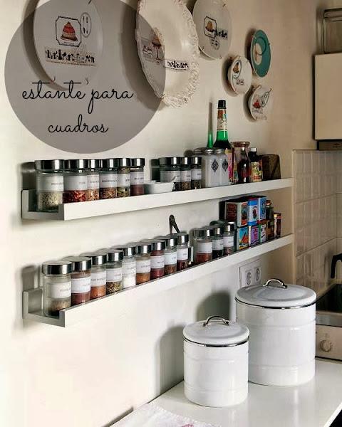 Botes de especies decorar tu casa es - Estanterias en la cocina ...